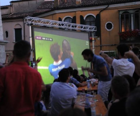 2010 EURO 2012